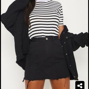 NWOT PrettyLittleThing Black Denim Skirt Size 6